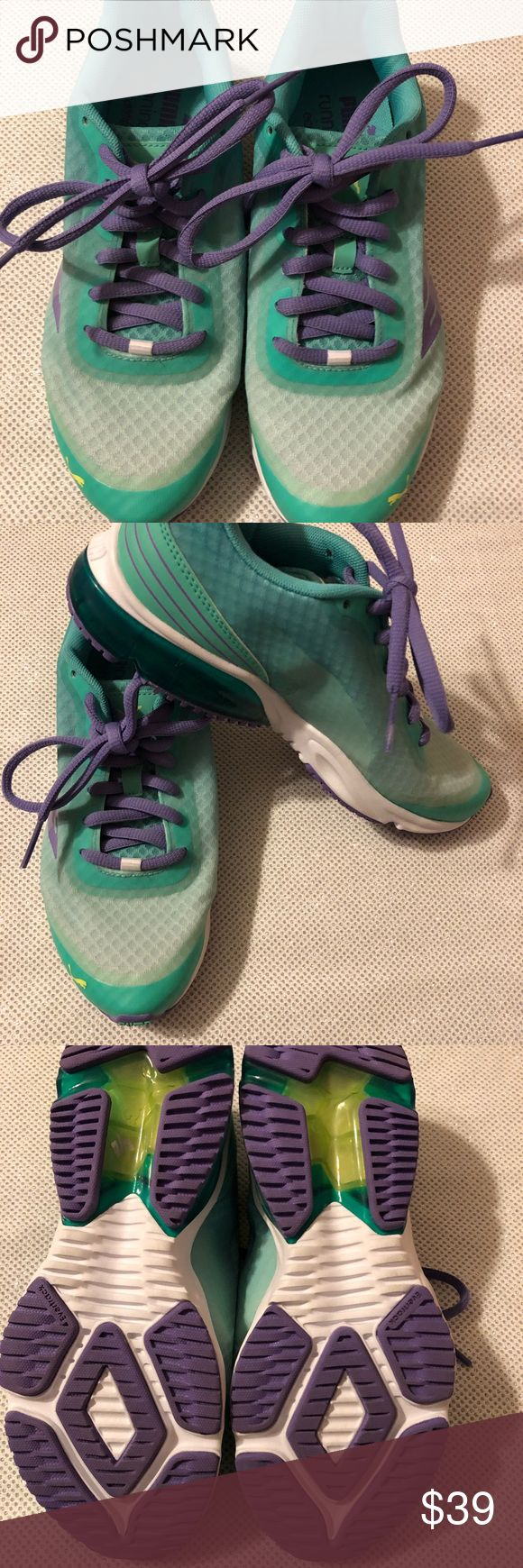 PUMA Tennis Shoes PUMA Tennis Shoes                                      SIZE:8 CARE:Machine Wash Cold CONDITION:Preowned, Excellent condition  • Ships only within US. • From a smoke and pet free   environment. • Please feel free to ask me any questions. Puma Shoes Athletic Shoes #tennisshoes