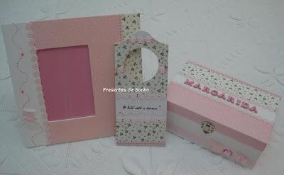 Conjunto para bébe: caixa, moldura e placa de porta