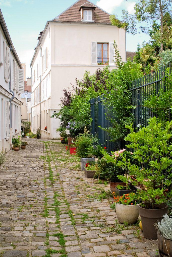 Cour intérieure - village de Charonne