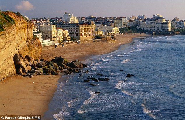 We stayed in Biarritz May 2012 in the red hotel.