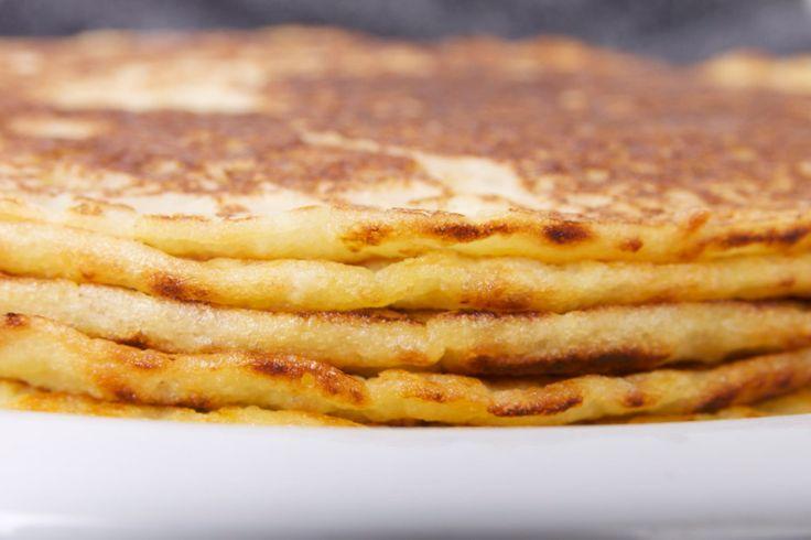 Deze pannenkoeken zijn volledig vrij van eieren en bakken even goed als de traditionele. Het recept vind je in deze blogpost! Smakelijk!
