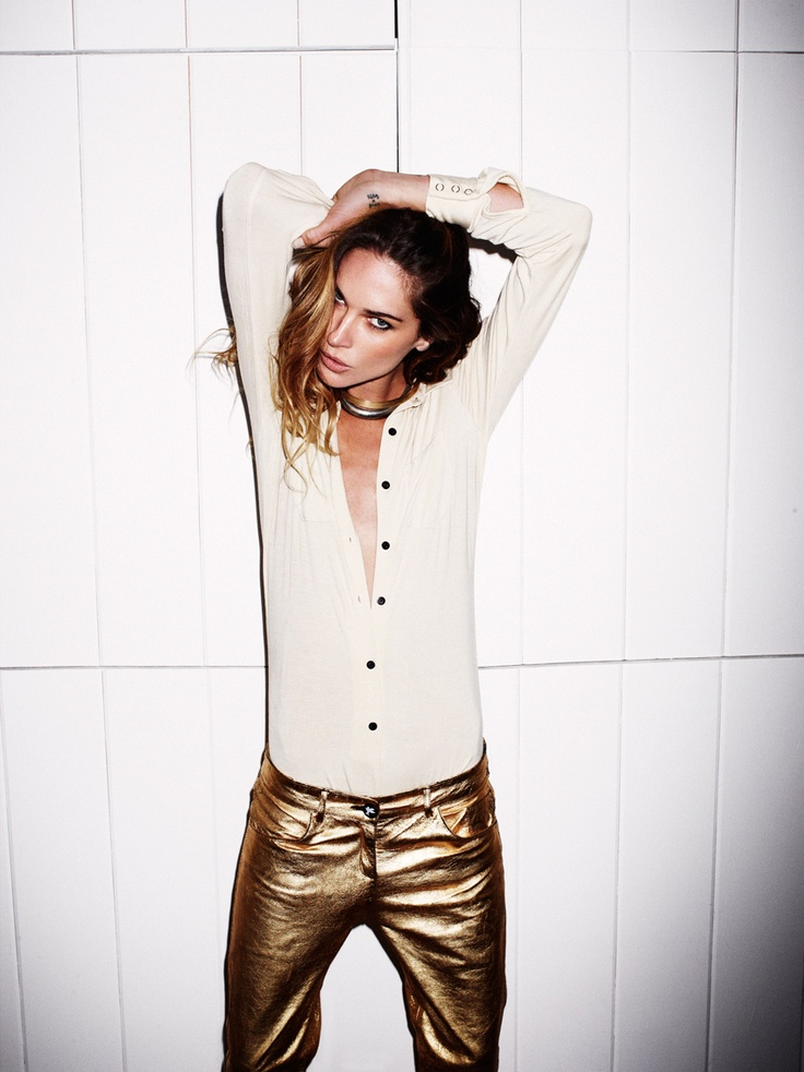 Exclusive: Erin Wasson Hits The Liquor Store For Her Fave Aussie Brand