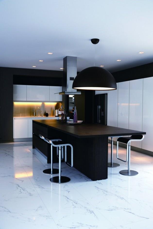Baan Citta by THE XSS | #modern #home #interior #design #architecture #kitchen #dining #white #black