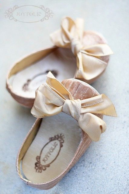baby ballet flats made from a grocery bag!