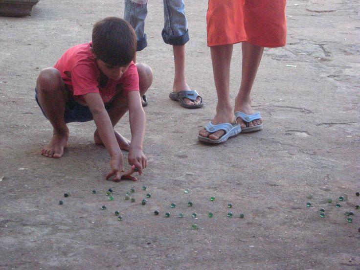 Game_of_marbles_in_Mumbai.jpg (3072×2304)