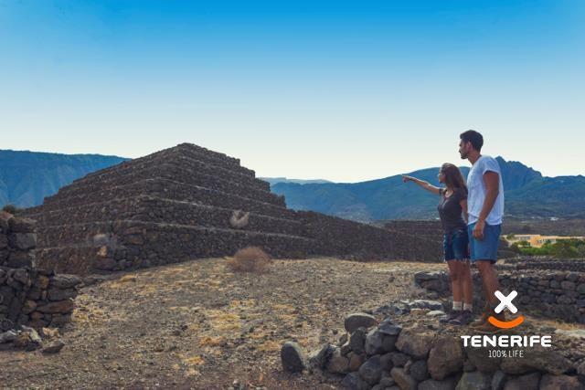 Parque Etnográfico Pirámides de Güímar, Tenerife, Islas Canarias / Ethnographic Park Pirámides de Güímar, Tenerife, Canary Islands /  ethnographischer Park  Pirámides de Güímar, Teneriffa, Kanarische Inseln