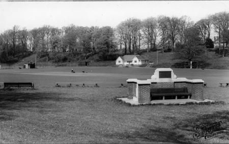 Old photo of Gore Park c1960, Sittingbourne