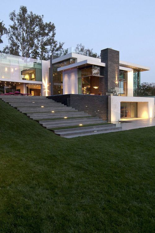 Ultra Modern Summit House In Beverly Hills Terrace