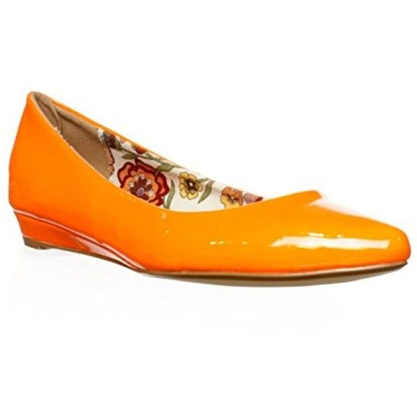 2 Lips Too 2 Lips Too Too Silver Ballet Flats - Orange | Bluefly.Com ($34) ❤ liked on Polyvore featuring shoes, flats, orange, ballet pumps, orange shoes, ballerina shoes, silver flats and ballerina pumps