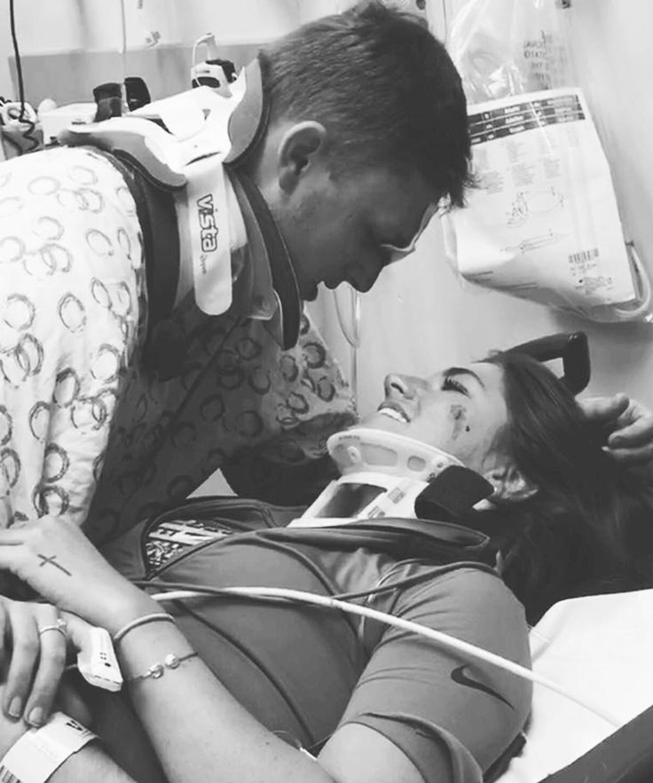 Couple Viral Car Crash Facebook Photo | The photo of a young couple reuniting in the hospital after a near-fatal crash has gone viral on Facebook. #refinery29 http://www.refinery29.com/2016/01/100888/tennessee-couple-car-crash-facebook-photo