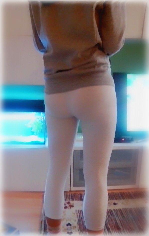 white yoga pants sexy