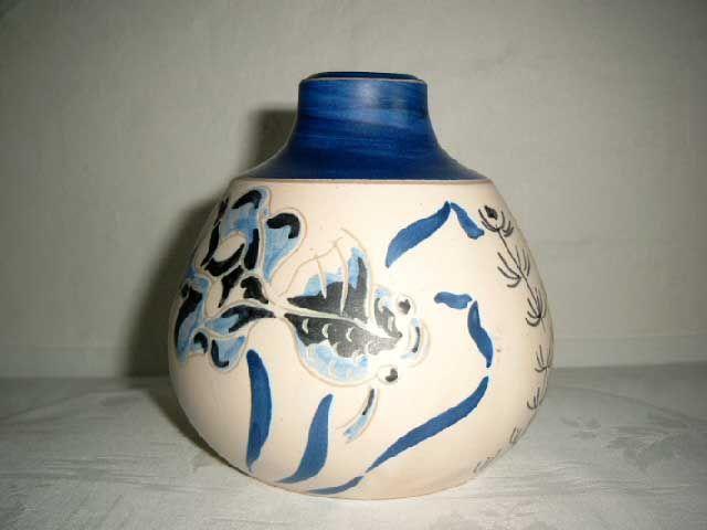 ESLAU vase - AGNETHE SØRENSEN. År/year 1940s. Sign: Eslau Nethe. #Eslau #Nethe #vase #keramik #ceramics #pottery #danishdesign #nordicdesign #klitgaarden. SOLGT/SOLD from www.klitgaarden.net.