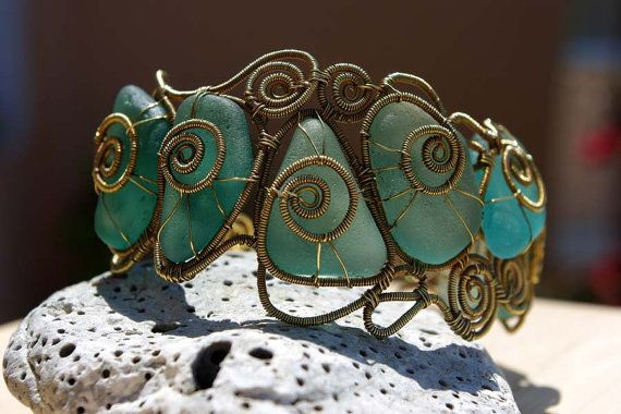 Wire wrapped seaglass bracelet