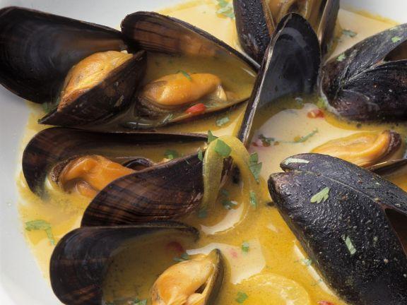 Miesmuscheln nach Karibik-Art ist ein Rezept mit frischen Zutaten aus der Kategorie Muscheln. Probieren Sie dieses und weitere Rezepte von EAT SMARTER!