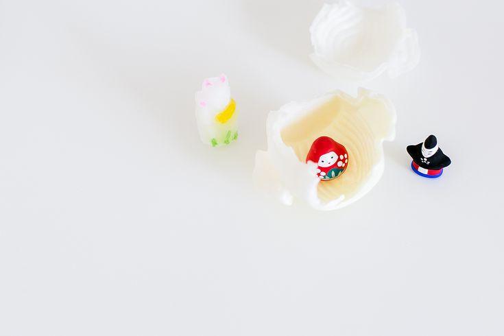 諸江屋の正月限定・人形入り「福徳煎餅」