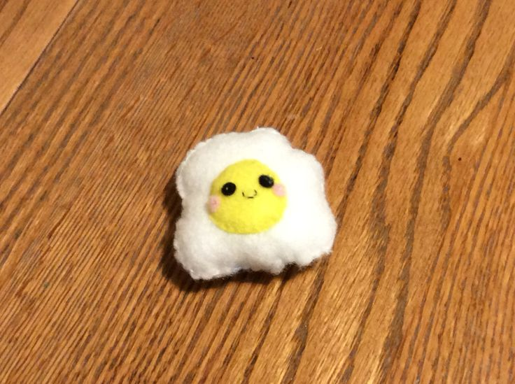 Here's Egg. How cute, kawaii cheeks, kawaii eyes, and a kawaii mouth! I made this egg from KLUTZ's Sew Mini Treats kit.
