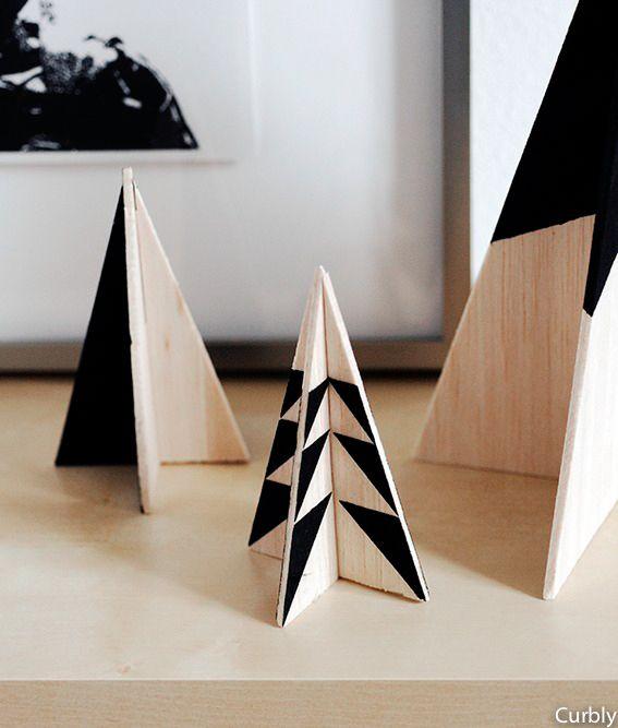 DIY Sapins de Noël en bois par Curbly Plus d'idées déco sur le blog ;)