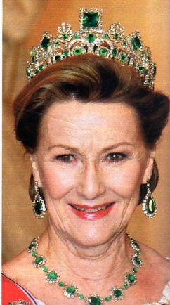 Rainha Sonja veste da imperatriz Josephine Emerald Tiara, no Jubileu de Ruby na Dinamarca
