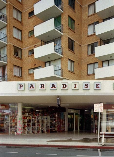 paradise towers, surfers paradise, 1975