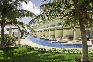Swim up suites at Azul Sensatori, Mayan Riviera, Mexico {Azul Hotels, by Karisma}