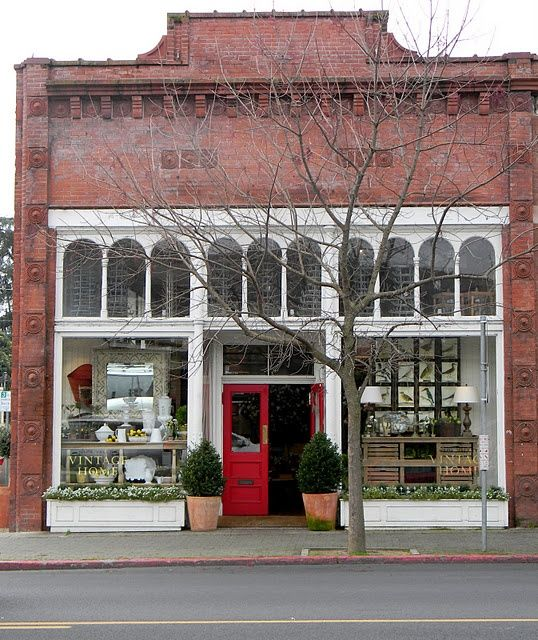 Vintage Home on Main Street  St. Helena  Napa Valley