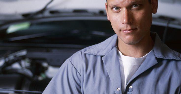 Cómo cambiar la válvula IAC. La válvula de control de aire de ralentí (IAC, por sus siglas en inglés) es un componente importante dentro de tu vehículo. La válvula IAC funciona controlando el aire que pasa por la placa del acelerador. Este proceso mantiene una velocidad de ralentí adecuada. Es importante saber cómo encontrar y cambiarla en caso de fallo. Esto te ahorrará ...