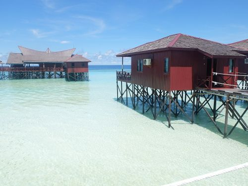 Bukan Maladewa, Ini Maratua