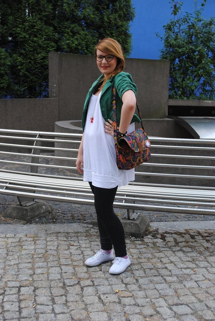 Kamila- la słoninka śląska blogerka  http://www.silesiastreetlook.blogspot.com/2011/06/slaskie-blogerki.html