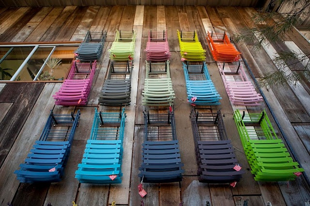 flora grubb, san francisco - as seen by riazzoliChairs Hanging, Flora Grubb, Colors Multiplication, Bistros Chairs, Augusti 2010, Colors Folding, Metals Chairs, Folding Chairs, Colors Chairs