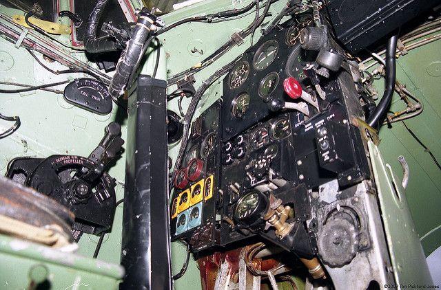 de Havilland TA634 DH98 Mosquito Controls | The de Havilland… | Flickr