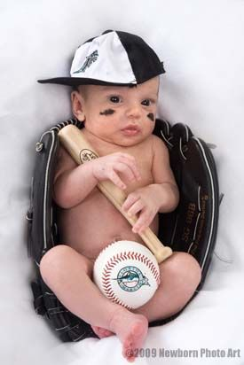 Seriously the cutest newborn picture I've ever seen in my life!