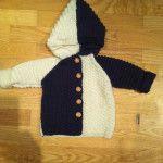 strik til baby striktrøje med hætte til baby