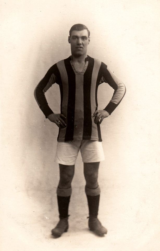 John Rumney, centre forward.   13 apperances and 4 goals between January 1923 and May 1924.