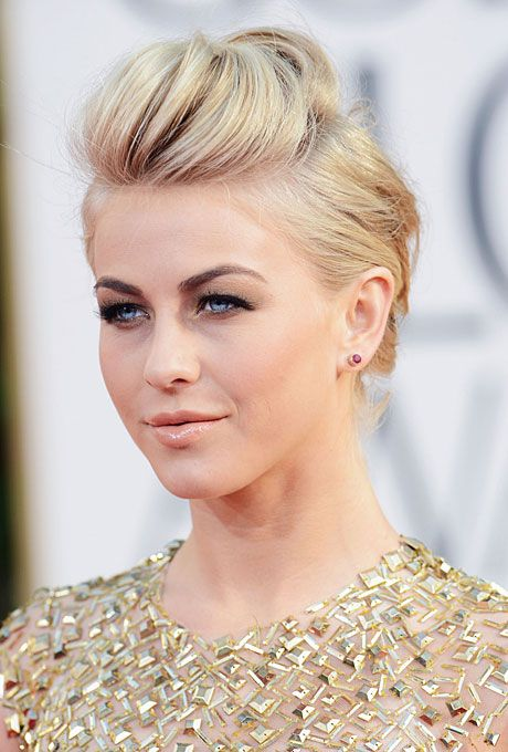 Brides.com: Best Hairstyles from the 2013 Golden Globes. Julianne Hough's Punk-Princess Updo. Julianne Hough paired her high-volume, punk princess updo with a bold brow for a fierce finish—could Ryan Seacrest's girlfriend look any more smoking? We think not. Browse more wedding updos.