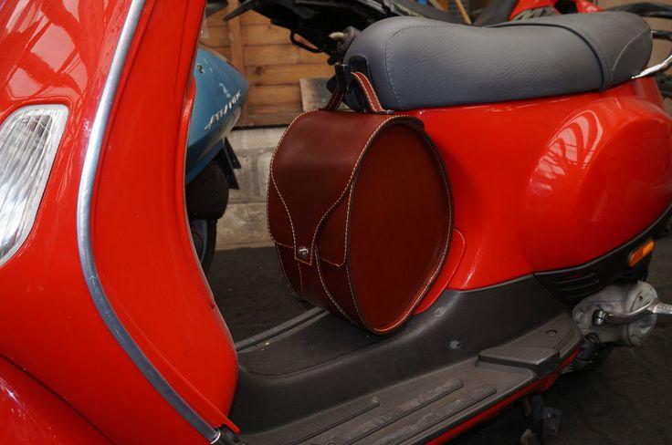 Leather Under Seat Hook Wheelwell Footwell Saddle Bag Vespa ET2 ET4 LX Brown