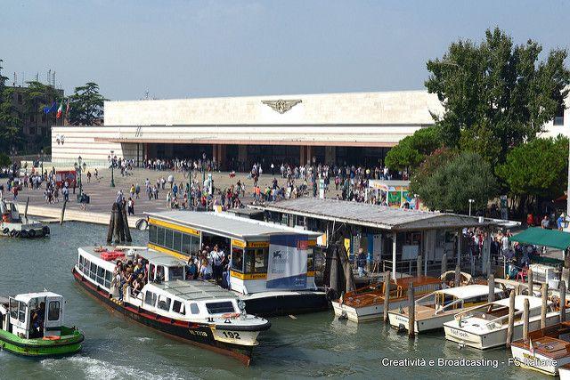 Uscita Stazione FS di Venezia Santa Lucia.