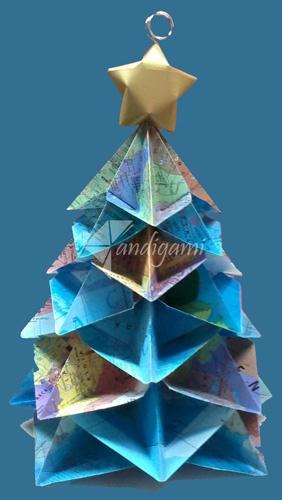 árbol navideño  papel con cartografía