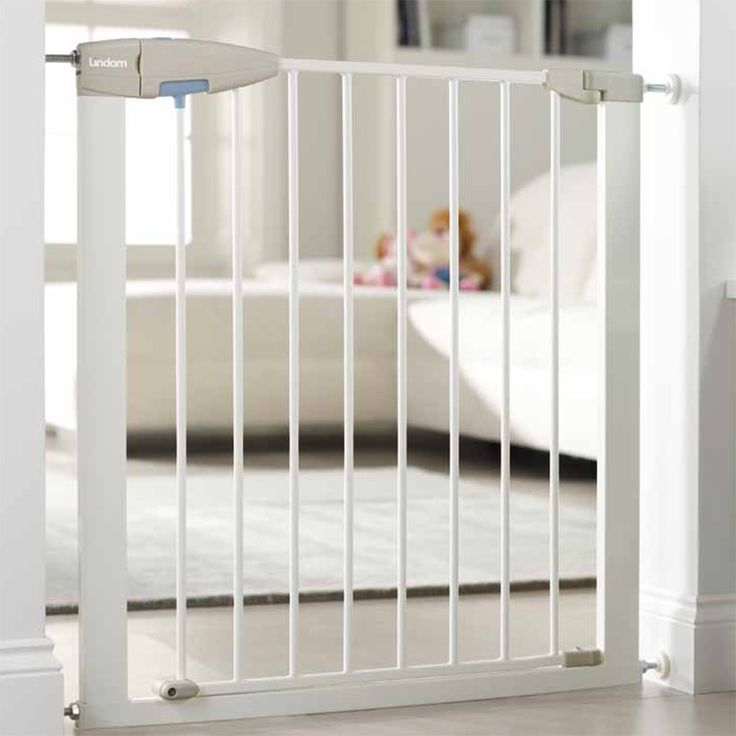 Lindam Baby Safety Stair Gate Sure Shut Axis Porte Push To Pressure Fit