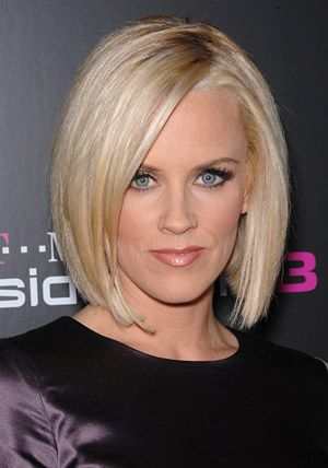 Jenny McCarthy Hairstyles - October 1, 2006 - DailyMakeover.com
