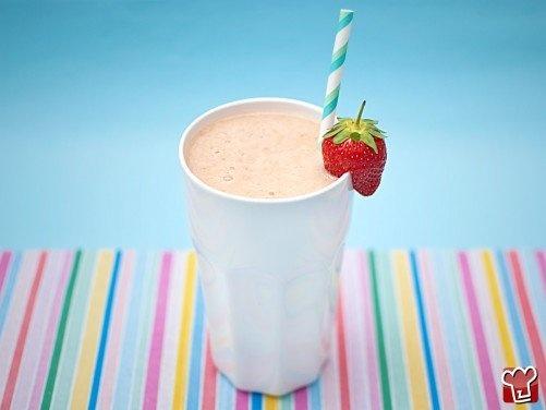 Frullato di frutta - Fruit smoothie http://z4p.in/M6qi95 Ricettepercucinare.com