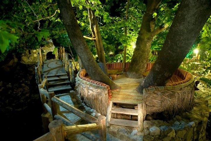 The lounge... In the tree, Beautiful places to visit, Garden