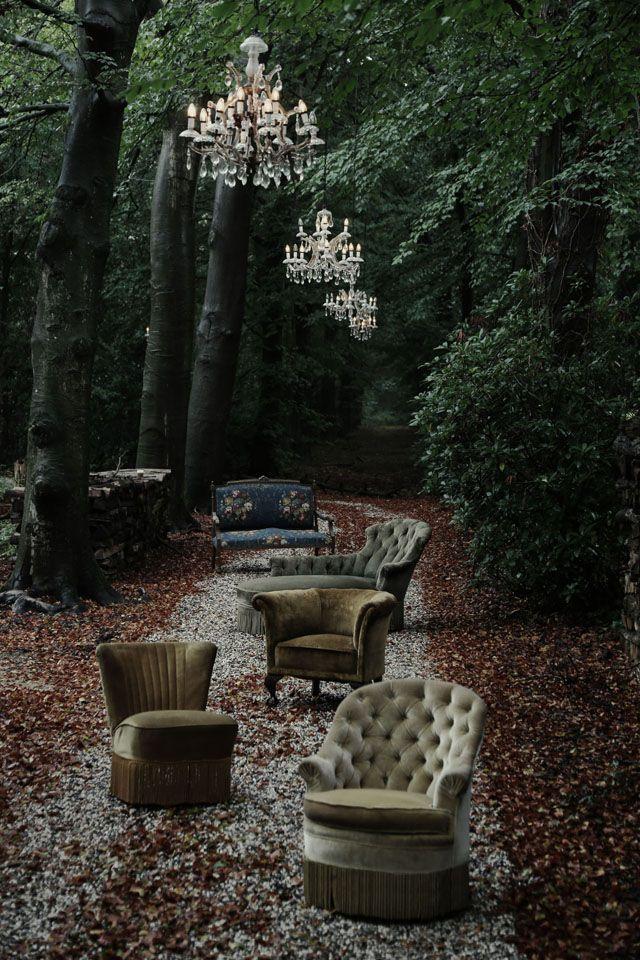 GardeningAtTheAdore: outdoor seating. FABILOUS