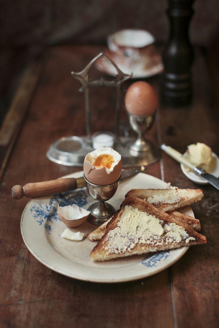 Breakfast 4/49 - Boiled eggs & toasts by El Oso con Botas