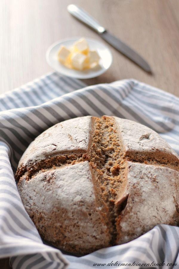 Il pane nero è una delle specialità gastronomiche delle aree germanofone e viene realizzato generalmente con sola farina di segale. Il Bauernbrot è un pane genuino, fatto con pasta madre e profumatiss