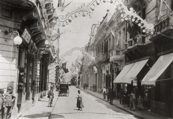 CALLE FLORIDA - Buenos Aires, año 1900, adornada por la visita del Presidente de Brasil