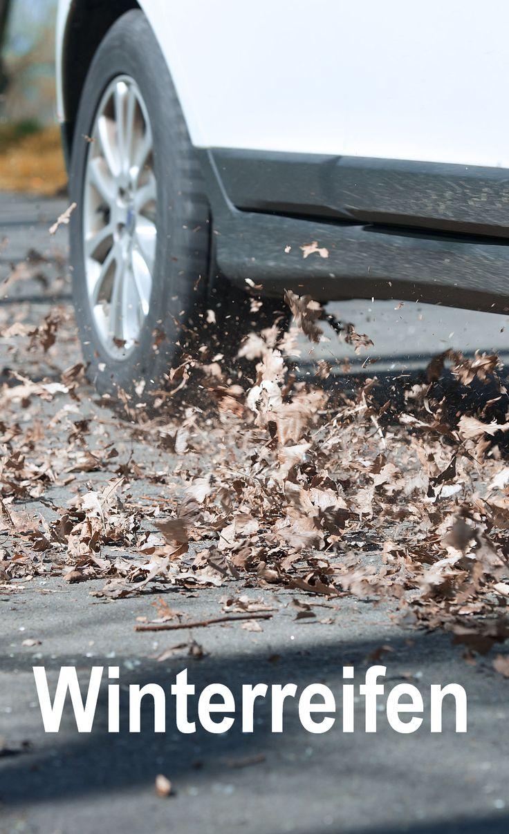 Auf nassen, glatten Straßen haften Winterreifen am besten. Sorg dich rechtzeitig um deine Sicherheit. Wir geben Tipps zum Winterreifen kaufen. #winter #sicherheit #ratgeber