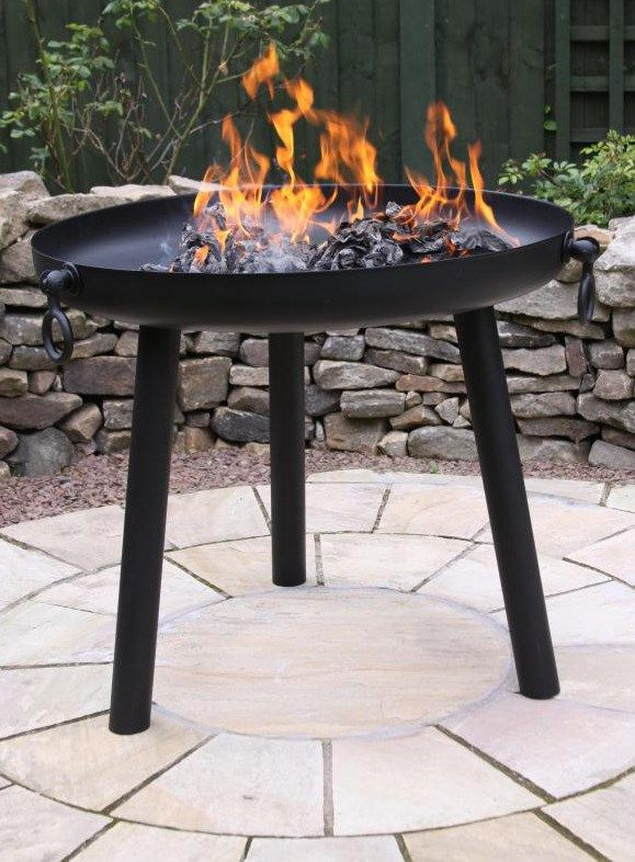 Strong, durable steel fire pit available in either 60cm or 80cm diameter. Please select from the drop down list the size that you require. Large diameter fire pit, perfect for large groups of people or for camping or in the garden.