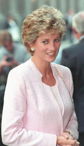 May 3, 1995: Princess Diana attending a lunch for members of the Merchant Taylors Company at Merchant Taylors Hall, London.