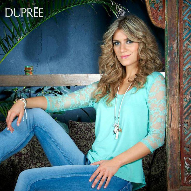 La hermosa presentadora de RCN Laura Tobón en nuestra Colección Coqueta Excéntrica de Campaña 5.