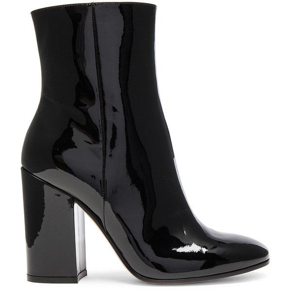 Gianvito Rossi Patent Leather Rolling High Booties (3.250 BRL) ❤ liked on Polyvore featuring shoes, boots, ankle booties, ankle boots, bootie boots, short boots, leather sole boots and high heel bootie